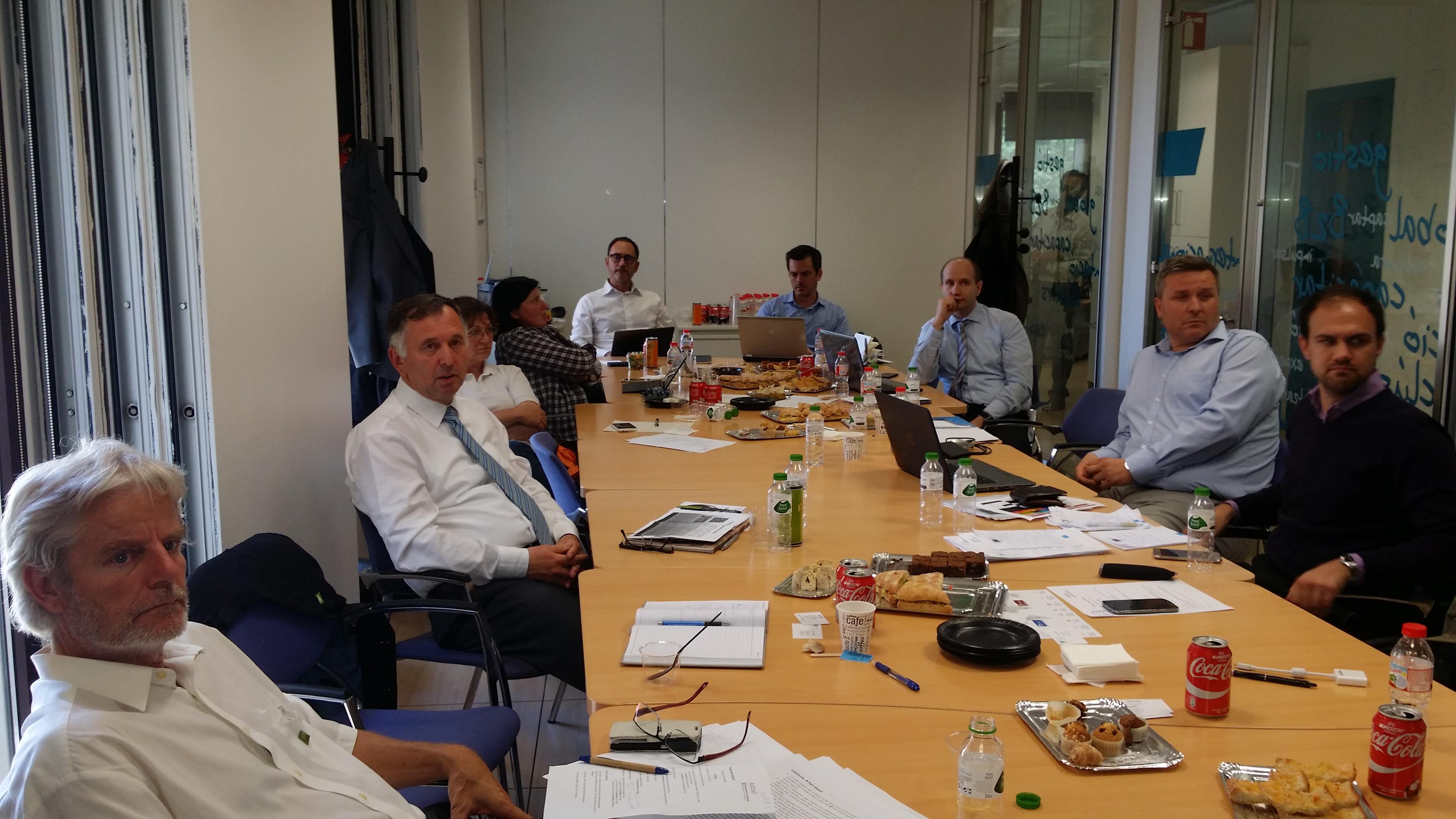 Predstavniki slovenskih grozdov in ministrstev na srečanju z grozdi iz Katalonije v Barceloni